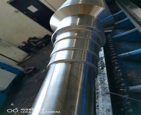 Valturi si role din oțel